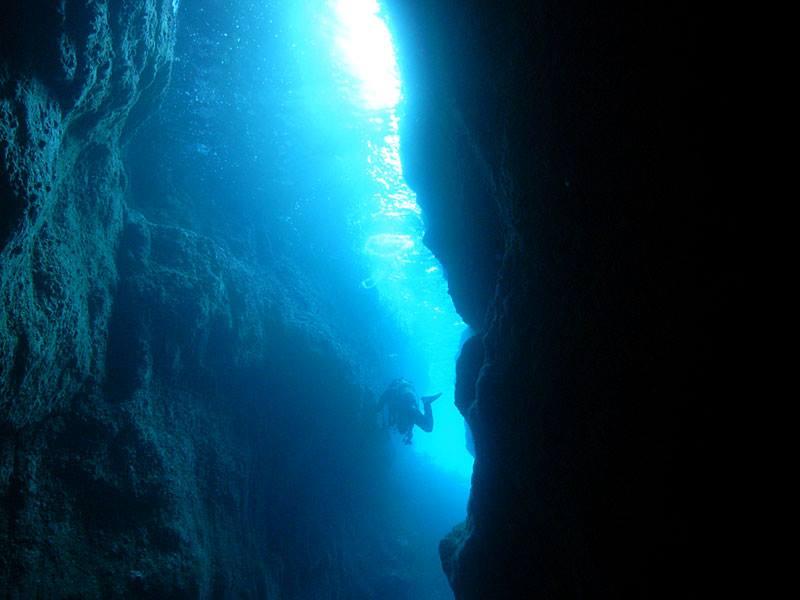 ダイビングスポット「青海島」